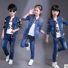 2017 novas crianças denim ternos de roupas de marca meninas conjuntos de calça + casaco de impressão moda jeans para crianças de bebê da marca meninos conjunto de roupas