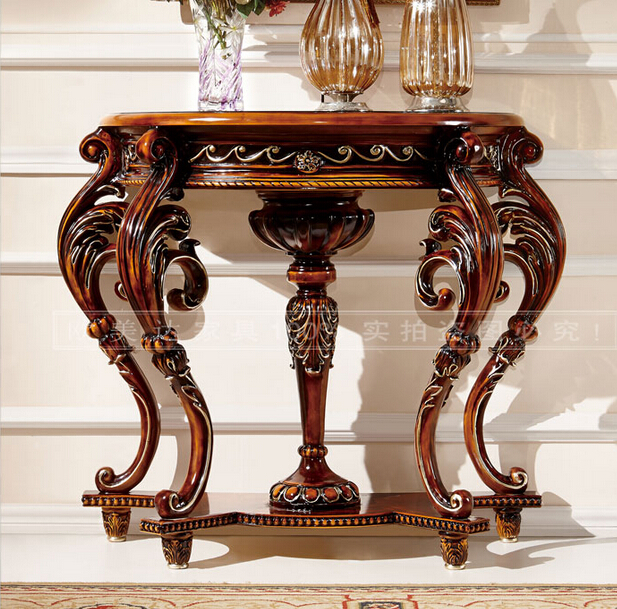 European-style solid wood carve patterns or designs on woodwork. Porch. French porch desk.