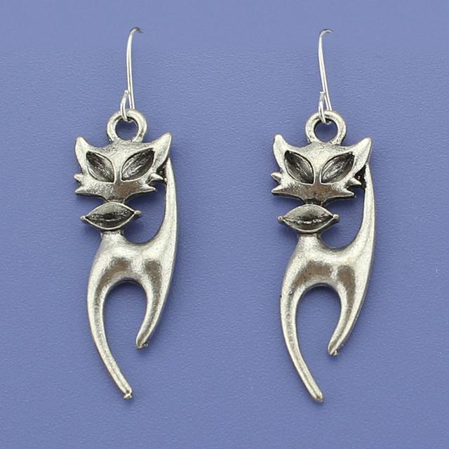 Vintage Silver Tone Cat Earrings
