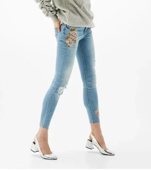 WISHBOP 2017 Summer New Blue Jeans Rose EMBROIDERED Crop Skinny Trousers Women Ripped Knees frayed Hem redmond rmc m22 860 5