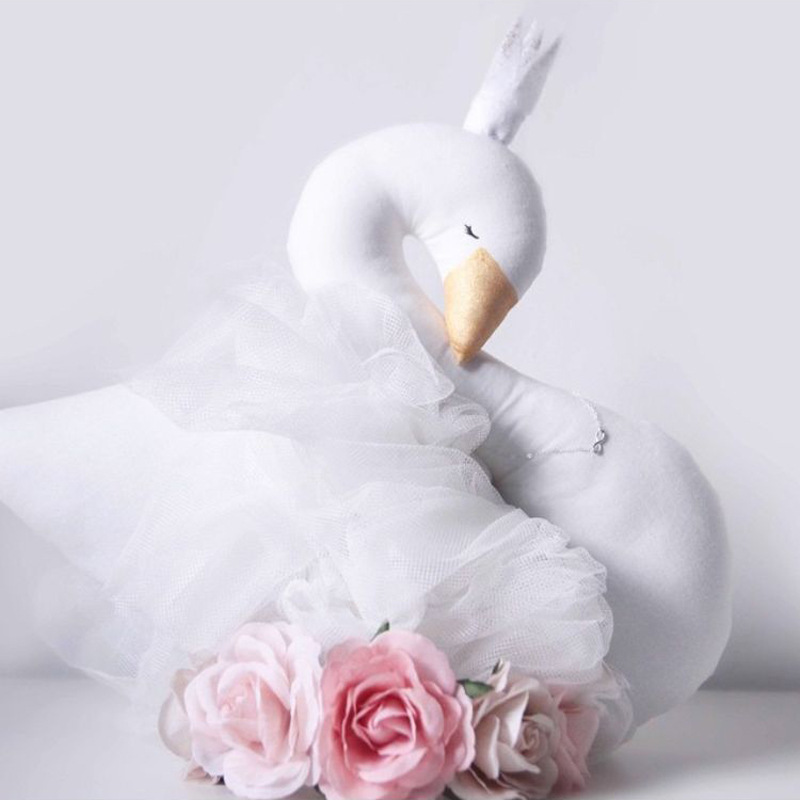 New Fashion Baby Crown Swan Sleeping Pillow Childrens Room Decoration Kids Animal Dolls Toys Photography Props Free shipping