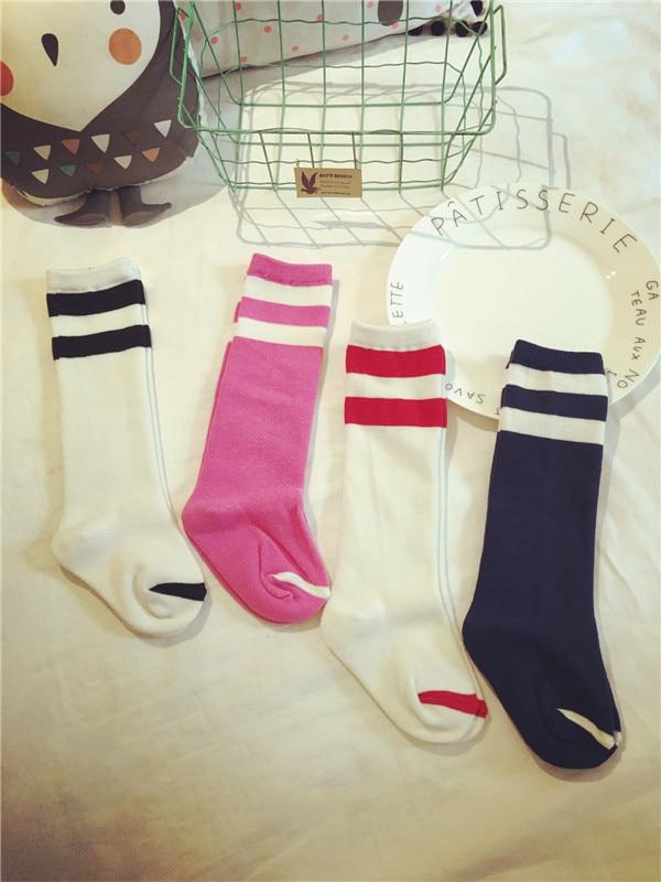 Erkek Kız Diz Çorap Bebek Diz Yüksekler Dört Renk Şerit Çocuk Çorap Futbol Çorap Çocuklar Pamuk Enfants Cicishop