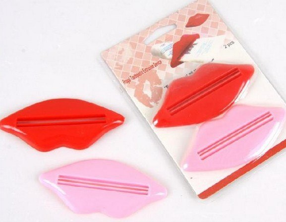 Hot Sell 2 Pcs Easy-using Sexy Lip Kiss Bathroom Tube Dispenser Toothpaste Cream Squeezer Sanitary Ware Accessories