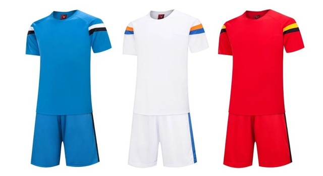 3 colores nuevo estilo uniformes de fútbol de los hombres adultos manga  corta jersey de fútbol 7631be40111c4