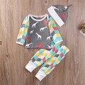 Orgánico Geometría Colorida Ropa de Bebé Conjuntos de Ropa de Algodón del Otoño del Resorte Caliente Tapas de La Camiseta + Pantalones Ropa Trajes Sombrero