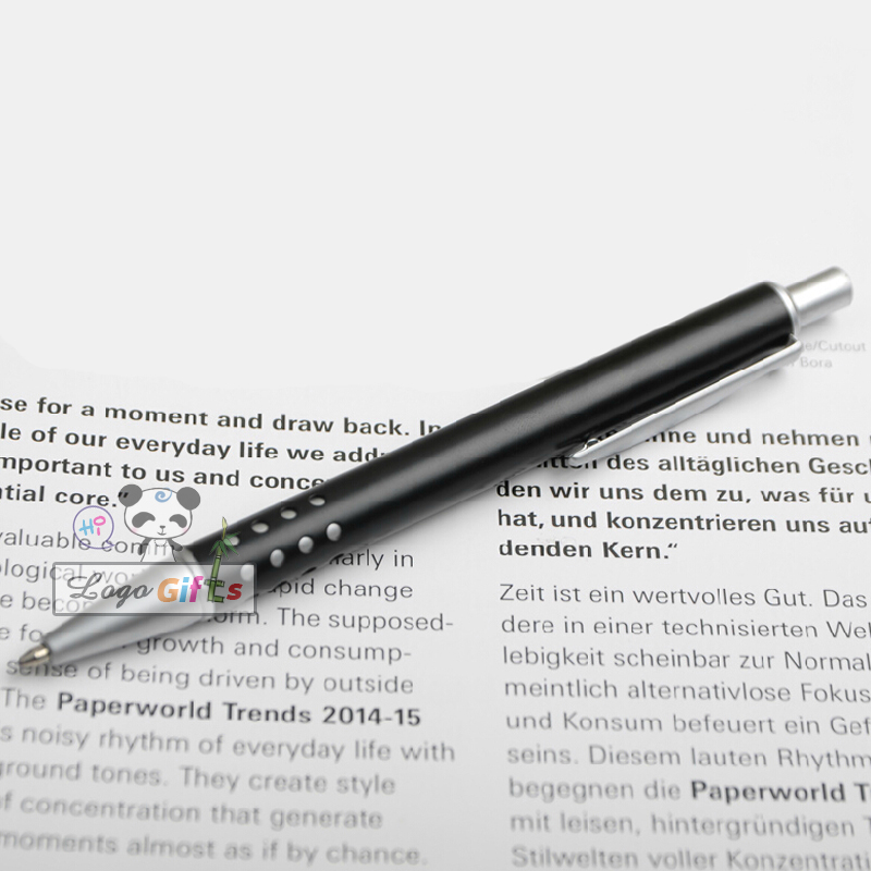 2018 good pen Stationery ballpoint pen you can customize your logo on the pen pressed open with writing in Ballpoint Pens from Office School Supplies