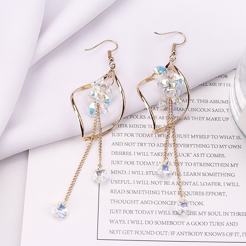 2019 New Arrival Alloy Trendy Geometric Women Dangle Earrings Long Tassel Earrings Korean Simple Personality Jewelry For Female