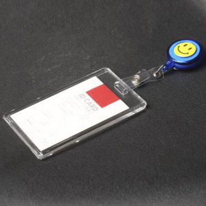 Image 2 - Przezroczyste 5 sztuk w pionie styl akrylowy uchwyt identyfikacyjny z chowany odznaka Reel smycz na identyfikator moda szkoła dla szpitali