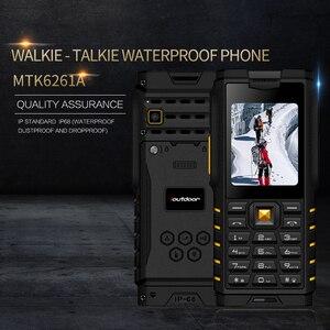 Image 1 - Ioutdoor T2 IP68 Su Geçirmez Sağlam interkom Telsiz Cep Telefonu Güçlü Sinyal El Feneri Uzun Bekleme Güç Banka P010