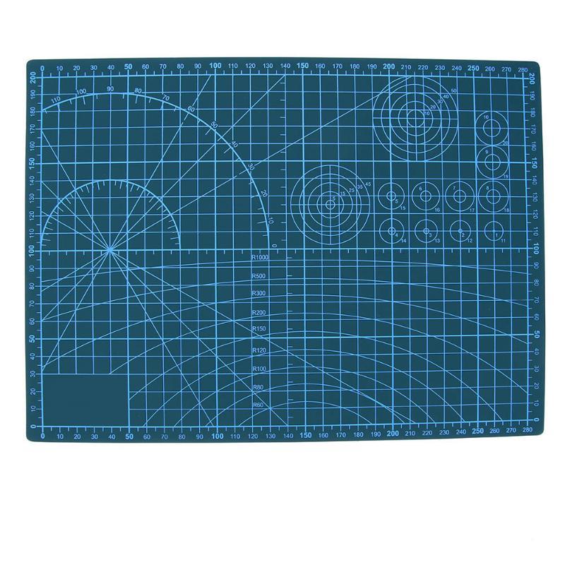 все цены на Plastic Scale Cutting Mat PVC Self-Healing A4 Office Home Paper Craft DIY Tool Escolar Double Sided Grid Lines Cutting Board Pad онлайн