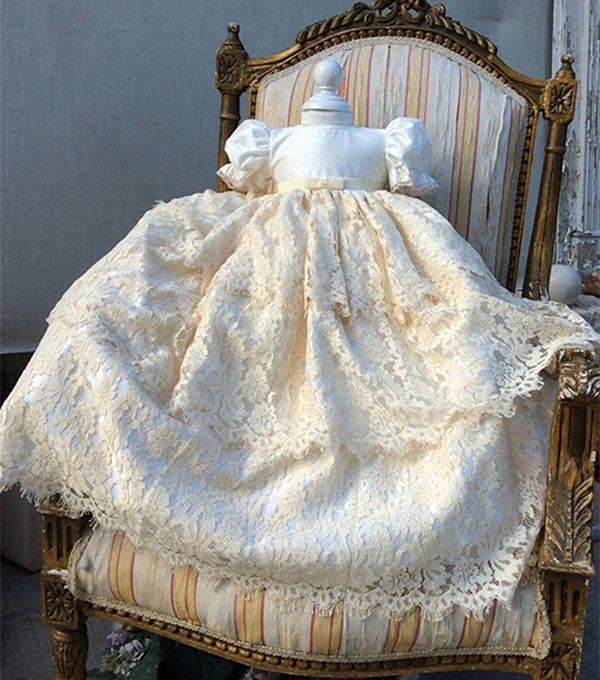 Luxury Beading Lace Baby Girls Christening Gown with Bonnet White Ivory Size 3 6 9 15 18 24months