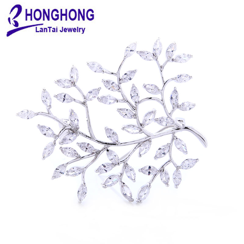 2017 Fashion Leaf Style Brooches Shiny Crystal Inlay Lady Jewelry Rhinestone Brooches For Weddings New Year