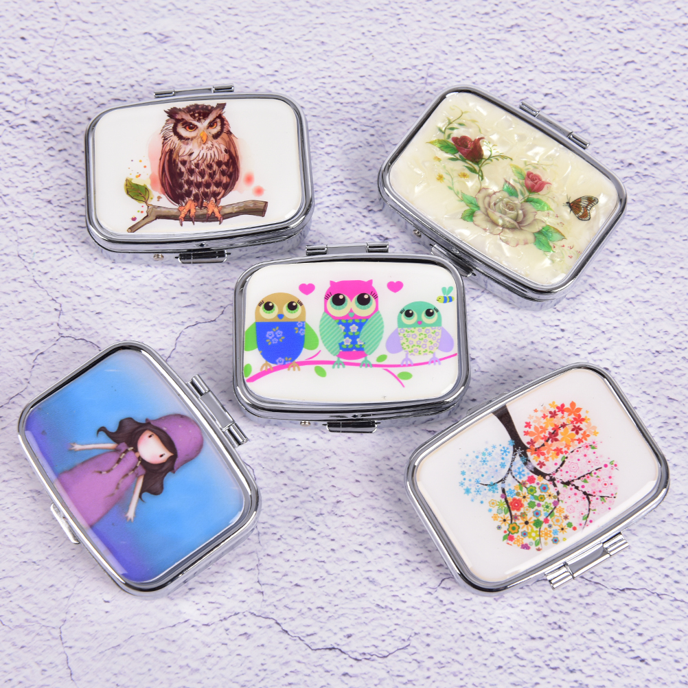 Color Random Portable Metal Pill Box Folding Pill Case Container For Medicines Organizer Colorful Pill Cutter Splitters