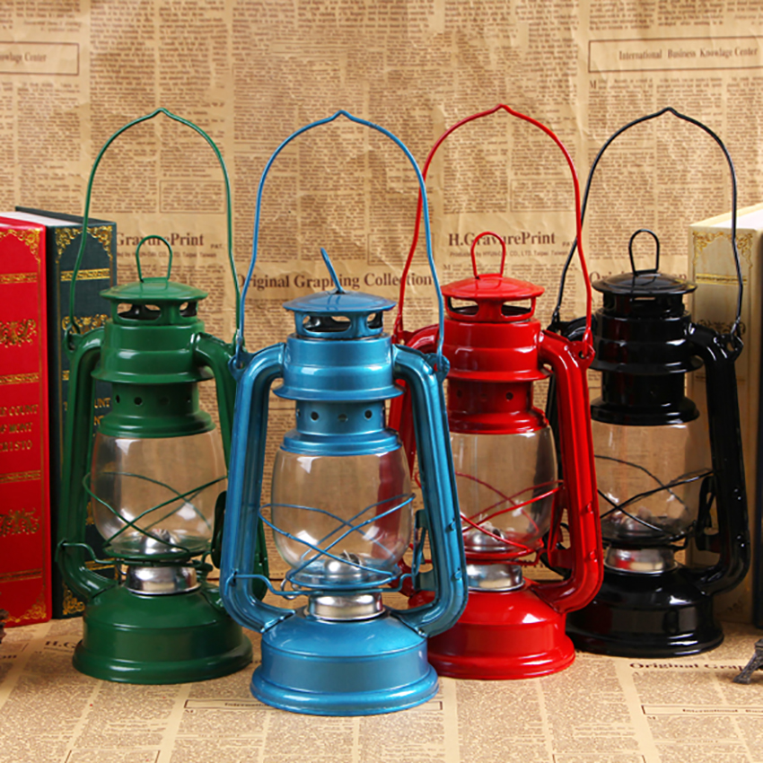 Vintage LED Camping Lantern Portable Outdoor Kerosene Lantern Hurricane Oil Lamp Emergency LED Lamp Light Battery Operated