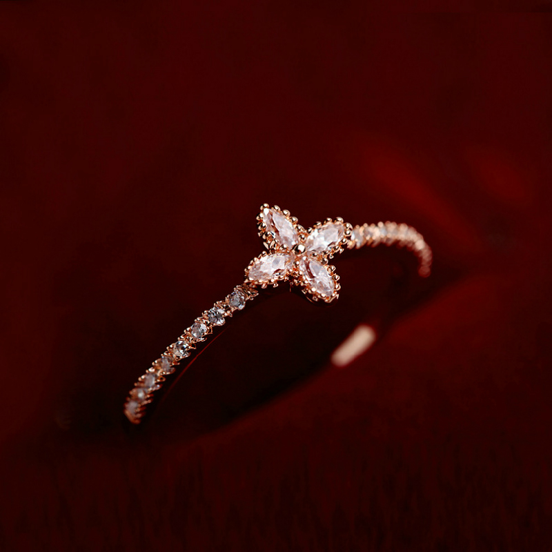 2017 Clover Lucky Gold Color CZ Rings Copper Tiny Perfect Delicate 4 Leaf Clover Art Ring Designer Inspired Jewelry Bague Femme
