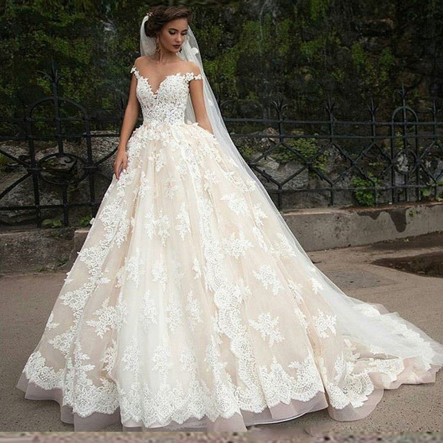 3cf8d748ffc 2016 New Ball Gown Ivory Wedding Dresses Sweetheart Neckline Cap Sleeve  Beaded Lace Court Train Wedding Gowns Robe De Mariage