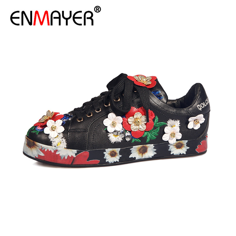 ФОТО ENMAYER Genuine Leather Flat Platform Women Leisure Shoes Lace-Up Round Toe Flower Sweet Black White Spring/Autumn Women Flats