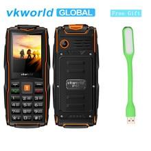 VKworld Yeni Taş V3 Cep Telefonu IP68 Su Geçirmez El Feneri 2.4 inç 3000 mAh GSM FM Radyo rusça klavye Telefon 3 SIM Kart yuvala...