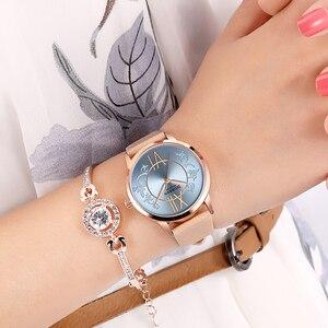 Image 2 - Zegarki damskie 2019 CURREN moda kreatywny analogowy zegarek kwarcowy na rękę Reloj Mujer Casual skórzane damskie zegar kobieta Montre femme