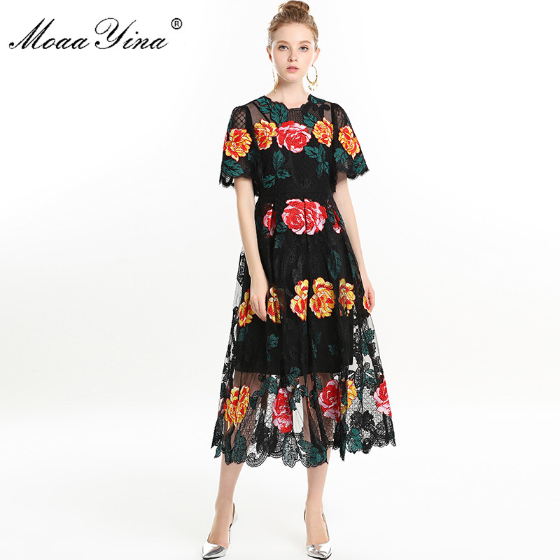 MoaaYina High Quality Fashion Designer Runway Dress Spring Summer Women Short sleeve Gorgeous Rose Floral Embroidery
