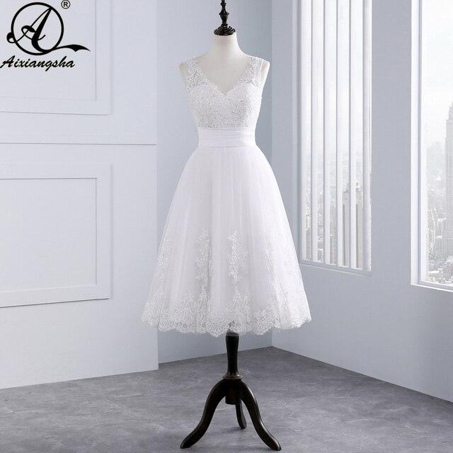 Hot Sale 2018 Lace Short Wedding Dress Appliques Tea Length Bride Gown Vestido De Noiva cheap elegant wedding V-neck Sleeveless