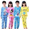 DESCONTOS Novo 2016 Marca Miúdo Dos Desenhos Animados Pijamas Outono & Inverno Asseclas Menino Pijamas Set Crianças Pijamas natal Crianças Conjunto De Pano