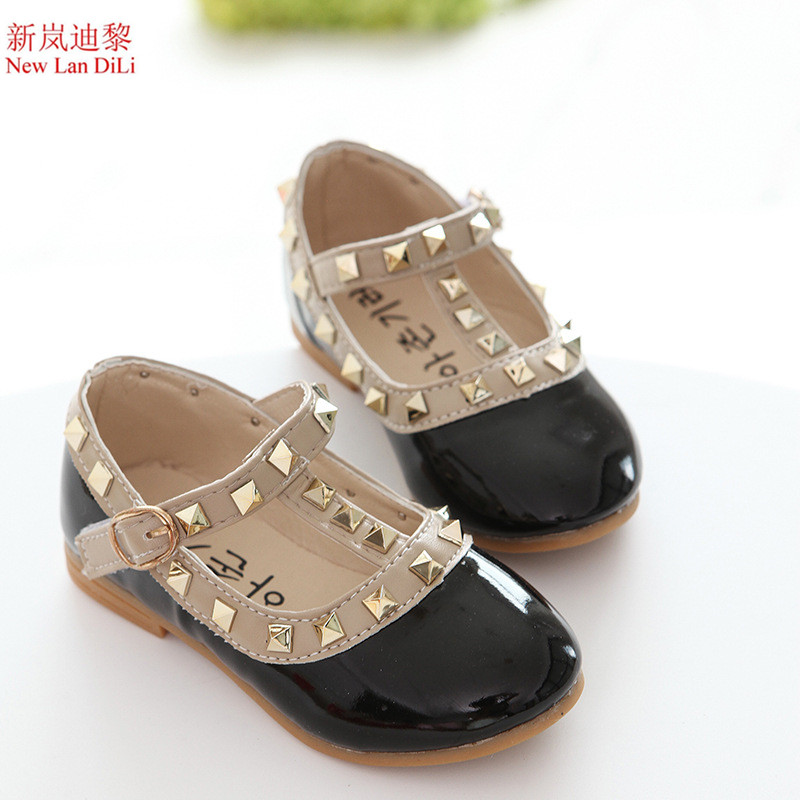 New Arrive Children Shoes Girls Shoes Soft Sole Fashion Gladiator Kids Shoes Girls Rivets PU Leather Shoes Girls Flats Sneakers
