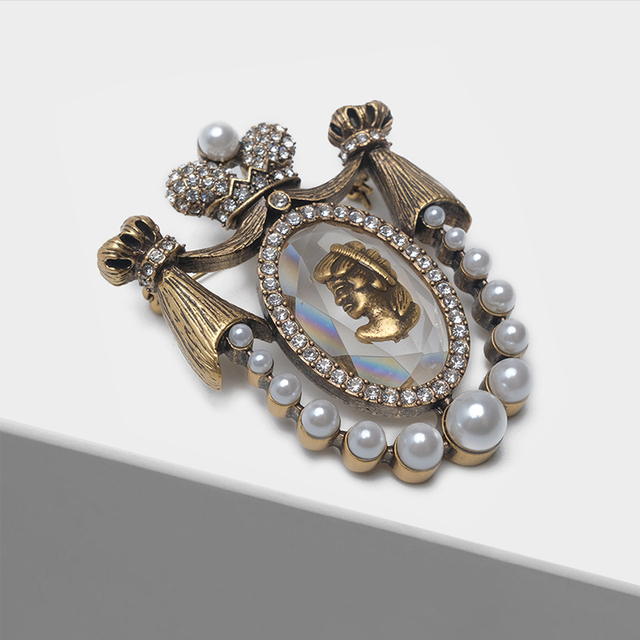 Amorita boutique Lady head design pins court vintage brooch