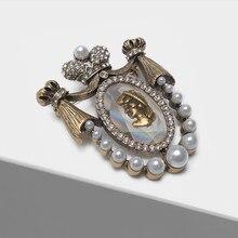Amorita – broche en perles vintage, style rétro européen