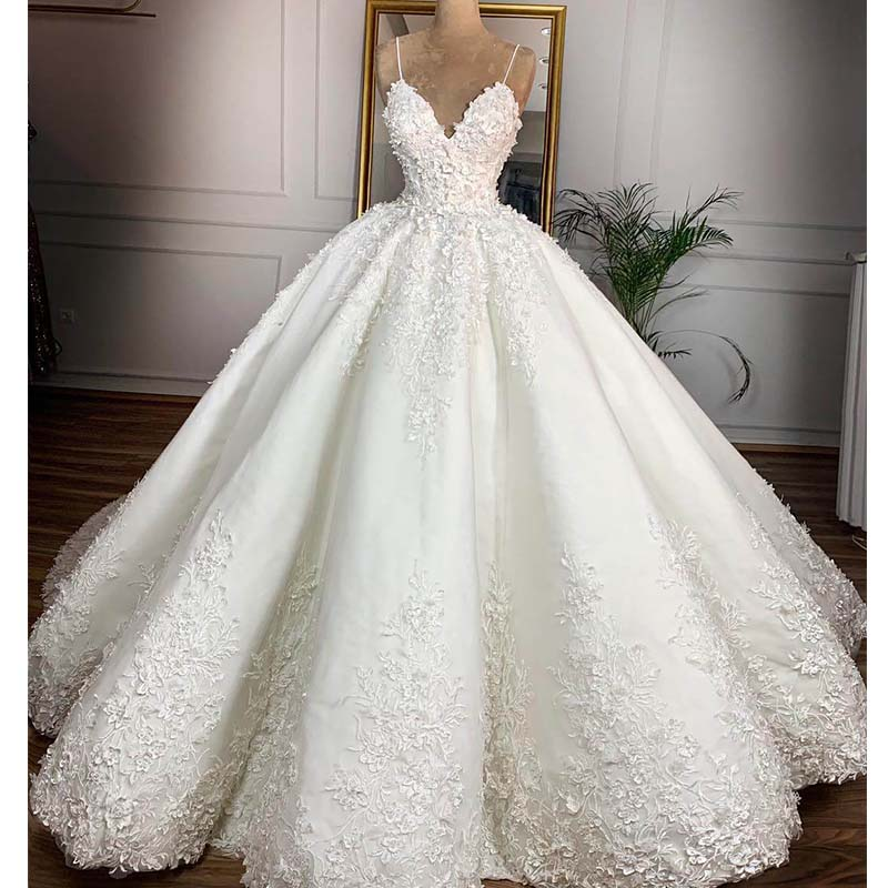 Vintage Lace Floral Wedding Dresses 2019 Casamento 3D Flower Bridal Ball Gowns V-neck Lace Up Plus Size Bride Dress Gelinlik