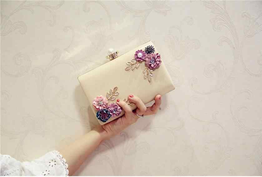 ... Meloke 2019 high quality women handmade flowers evening bags mini  wedding dinner bags luxury clutch purse c93dcede168c