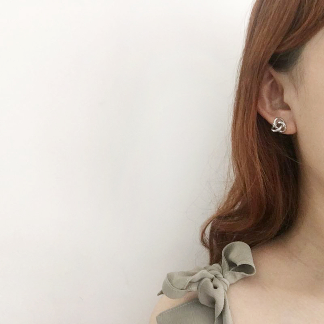 Earrings female temperament fashion simple jewelry earring to Europe and the United States The ball ball earrings geometry wafer