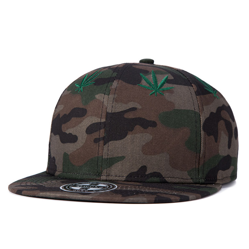 7e6cde0c1c4 2018 New Fashion Embroidery Maple Leaf Cap Weed Snapback Hats For Men Women  Cotton Swag Hip Hop Fitted Baseball Caps -in Baseball Caps from Apparel ...
