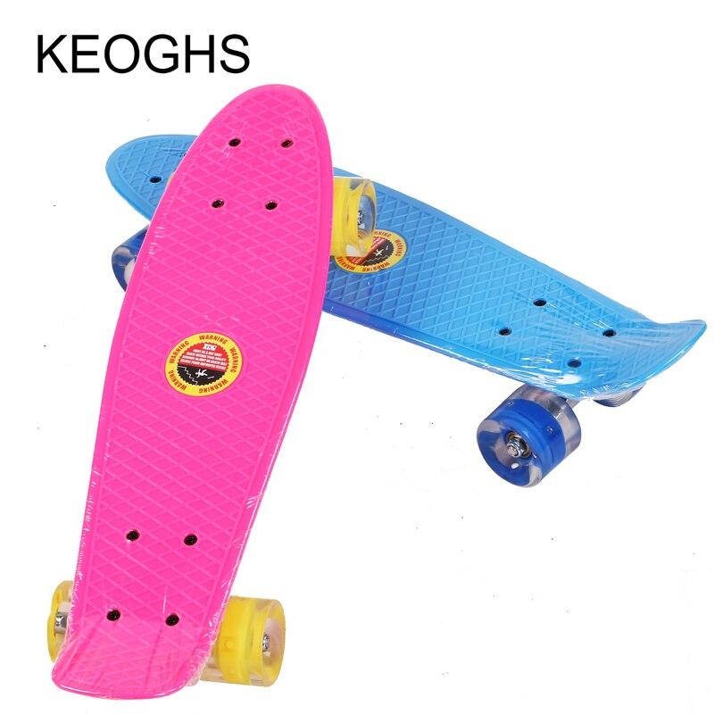 22 palců děti Teenageři skateboard rybí prkno pro dospělé PU 4 kolečka LED venkovní sporty Kulturistika Jednorázové