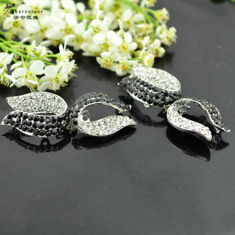 fur coats High grade rhinestone metal buckles buttons for fur coats and garment and cashmere coat model clothing