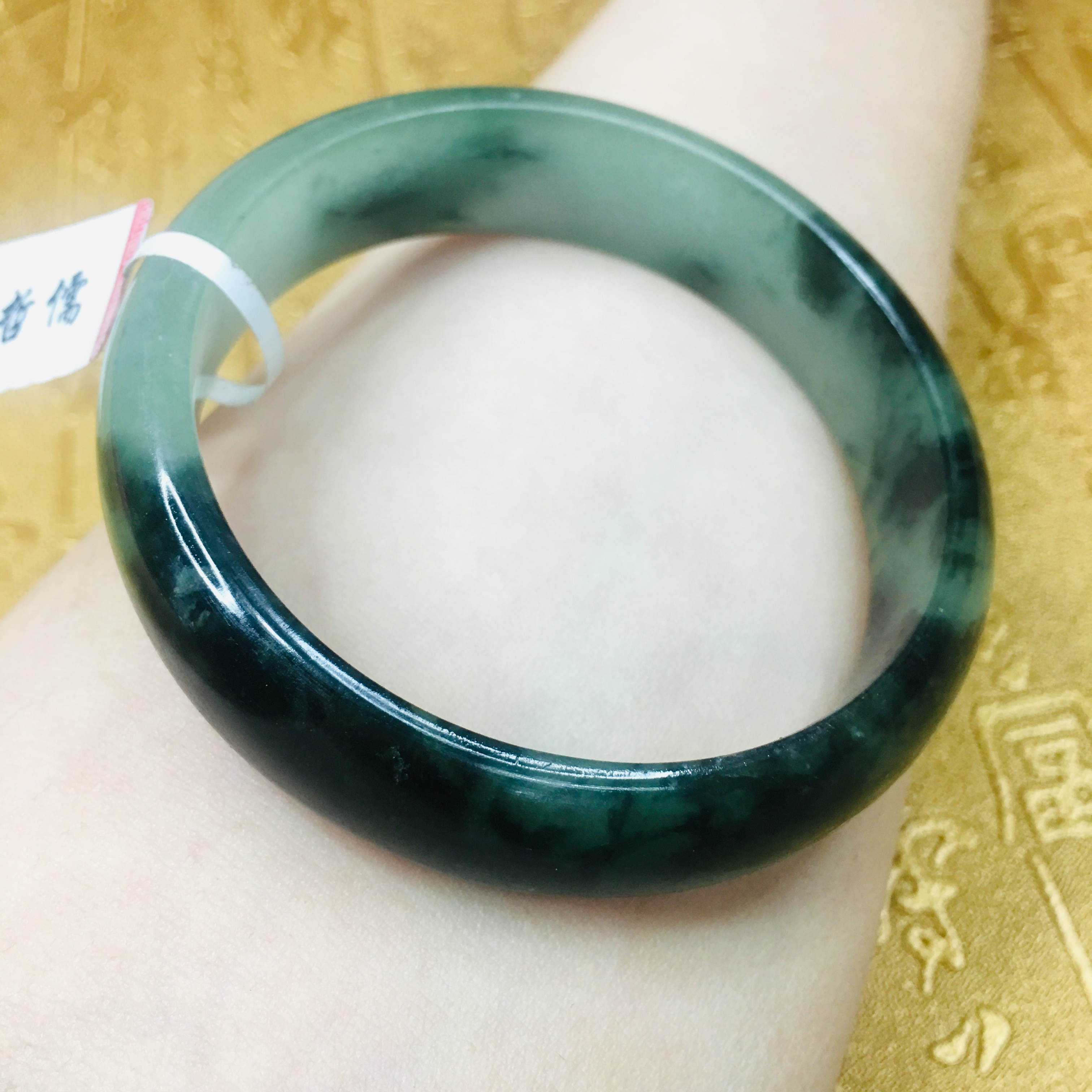 Send A certificate natural Jadeite bracelets Carved black chicken breed two color 54 61mm female bracelets Jewelry gifts