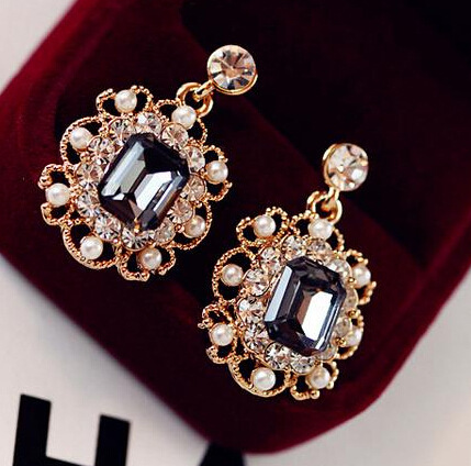 2017 new Korea style ladies jewelry simulated pearl statement earrings retro fashion bright square crystal stud earrings girls