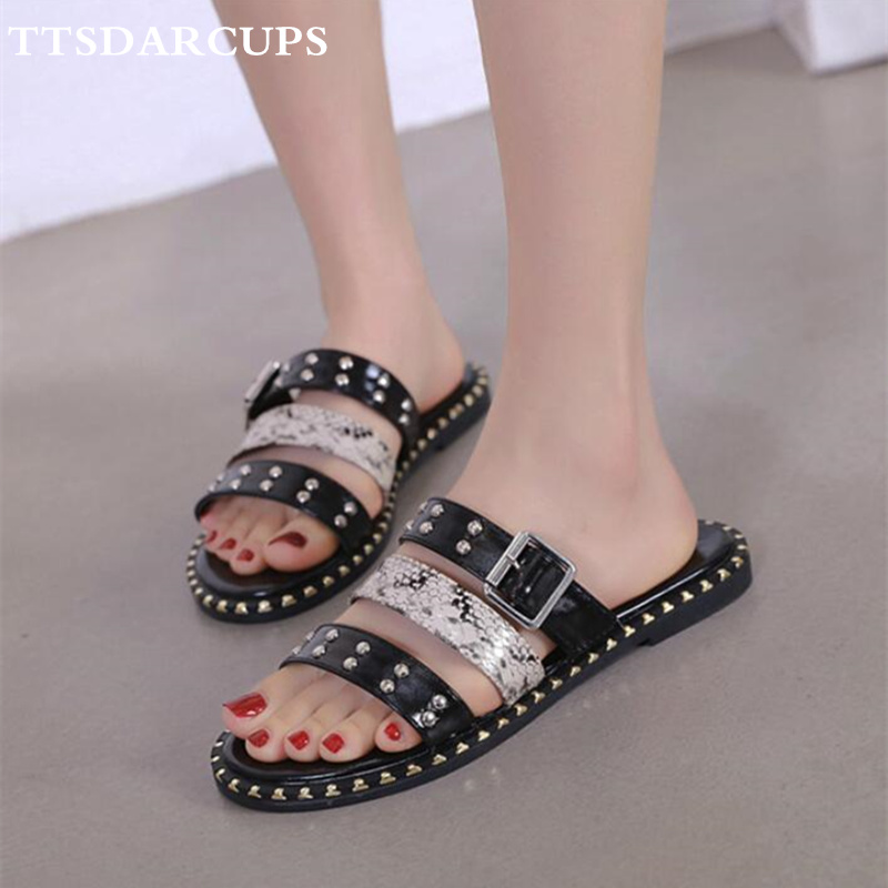 TTSDARCUPS 2019 New Fashion Flat-soled Slippers Rivet Metal Button Women Shoes Modern stylish Plus Size 35-40 shoes