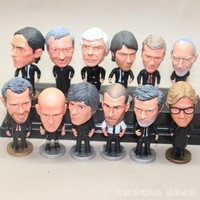 16 unids/set kodoto Fútbol nos entrenador juez fútbol Fútbol jugador estrella colección muñecas juguetes Mourinho feyguson Loew Giggs Mancini