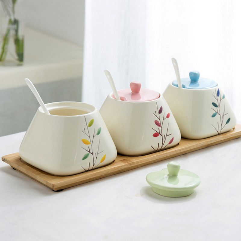 3pcs set Fashion brief ceramic spice jar Ceramic Seasoning Pot Wooden Cover Lid Salt Sugar Spice Pepper Storage Kitchen Accessor