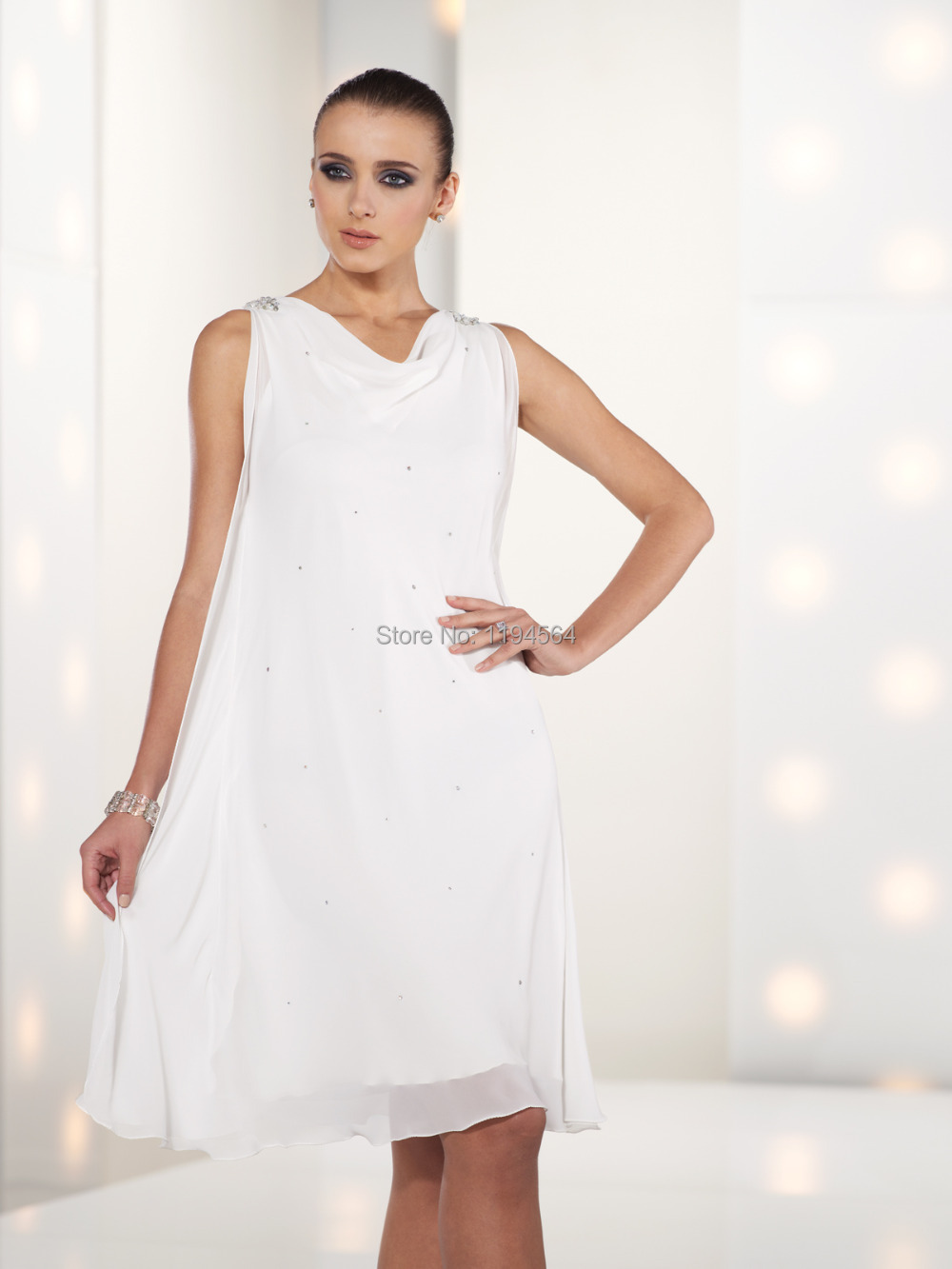 2014 White And Black Mothers Dresses For Beach Weddings