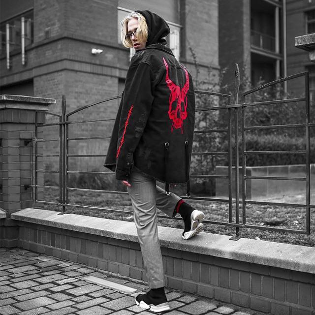 Denim jacket vintage men coats Fashion Hip Hop Streetwear Beggar Hole Denim men's Top 2019 spring Autumn new Pattern printing