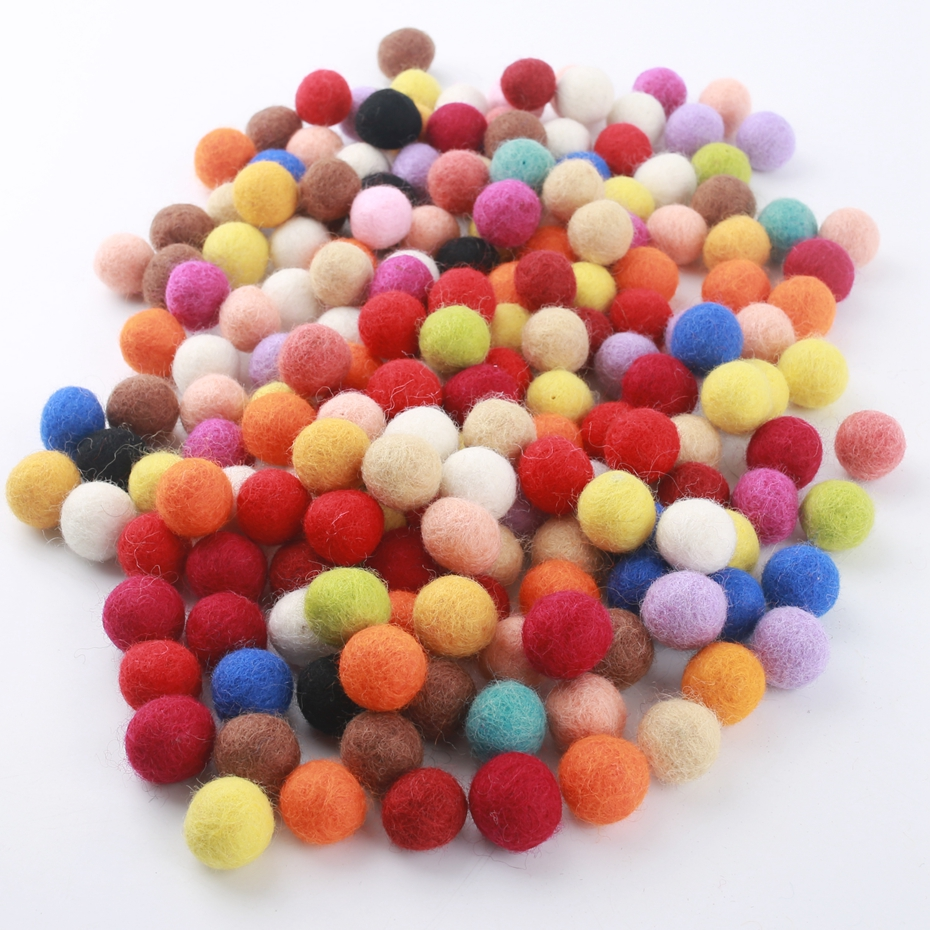 25PCS 20mm Fetl Balls New Beads For Children Diy Room Party DIY Craft Round Wool Felt Balls Handmade Make Ring Rattle Toys