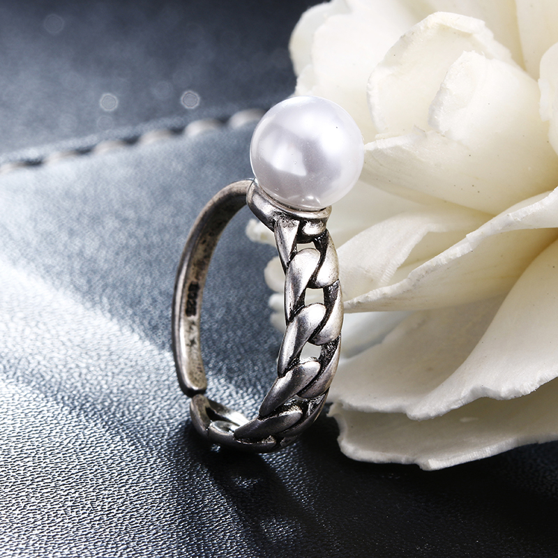 Hot sell fashion imitation pearl retro style Thai silver female 925 sterling silver ladies finger wedding rings ring jewelry in Engagement Rings from Jewelry Accessories