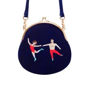 Image 2 - YIZI SToRe, винтажные бархатные женские сумки мессенджеры с вышивкой в полукруглой круглой форме, оригинальный дизайн (FUN KIK)