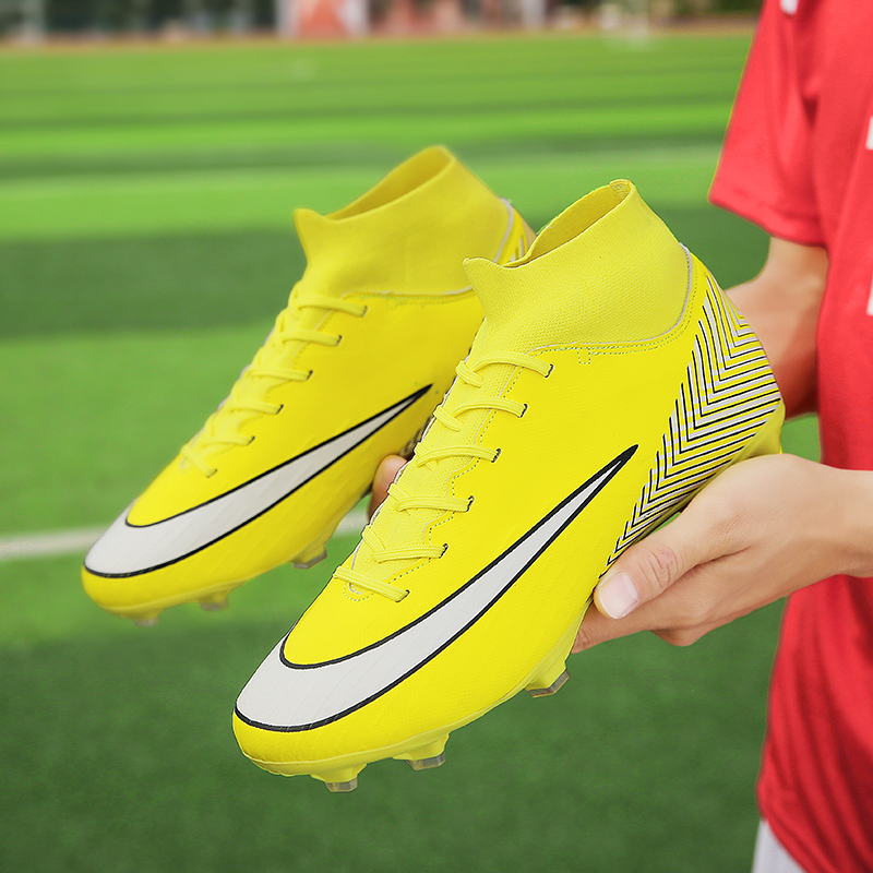 Men Soccer Shoes High Top Turf Sneakers Professional Trainers New Design High Top Long Spikes Football Shoes Chuteira Futebol(China)