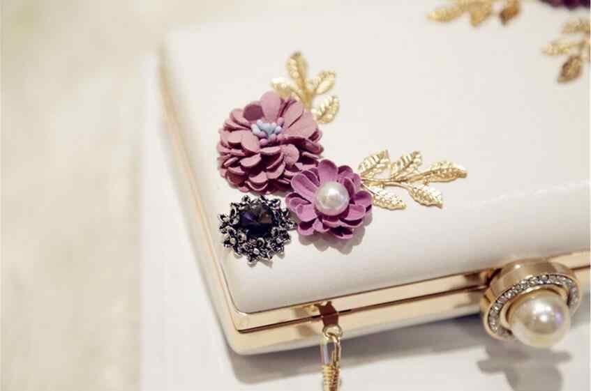 ... Meloke 2019 high quality women handmade flowers evening bags mini  wedding dinner bags luxury clutch purse ... dc76bf29dd58