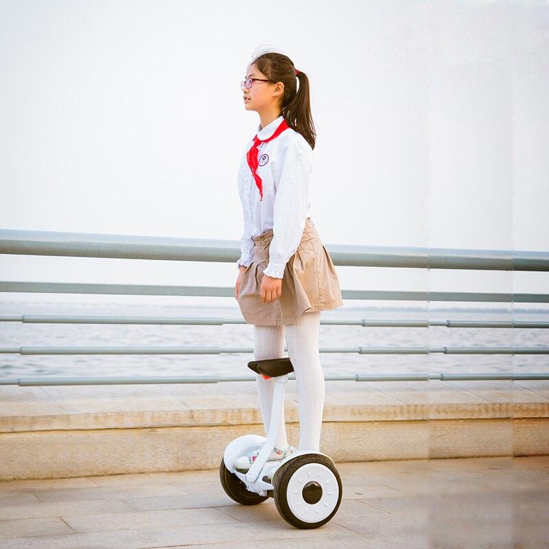 Scooter électrique de contrôle de jambe de Scooter d'équilibre d'individu de Hoverboard électrique de double roue de 54 V