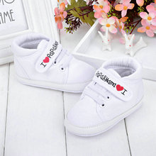 Cute Heart-shaped I Love Mum And Dad Lovely Baby Shoes Girl Soft Bottom Footwear Newborn FreeShipping