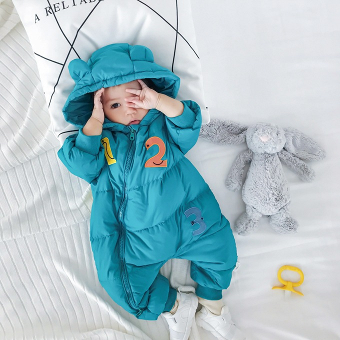 все цены на Duck down Winter baby boy clothes warm snowsuit baby girl clothes number one pieces hooded Outwear winter clothing for baby kids онлайн